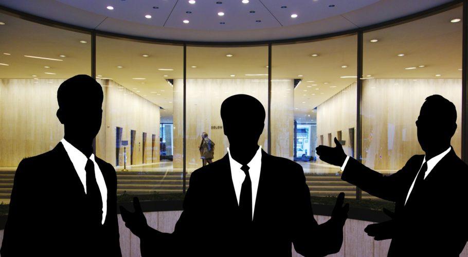 ARTÍCULO:  Cae el número de empleados de la Banca