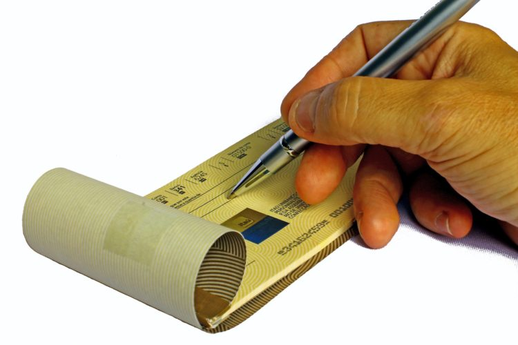 ARTICULO: El cheque un método de pago en extinción