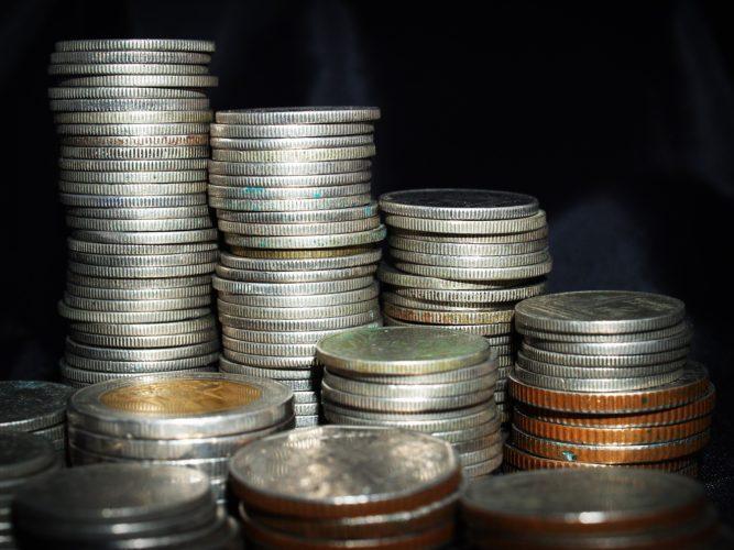 ARTICULO: Créditos de la banca crecen 2,7% real en doce meses