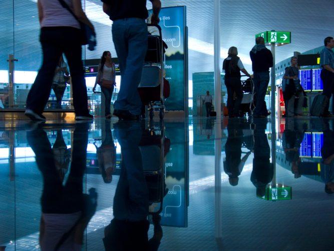 ARTICULO: Masiva llegada de argentinos impulsan las compras con tarjeta de extranjeros en Chile