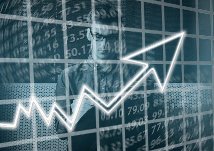 """ARTÍCULO: """"Actividad del comercio crece 6% en agosto y asienta perspectivas de 3,4% para el Imacec"""""""