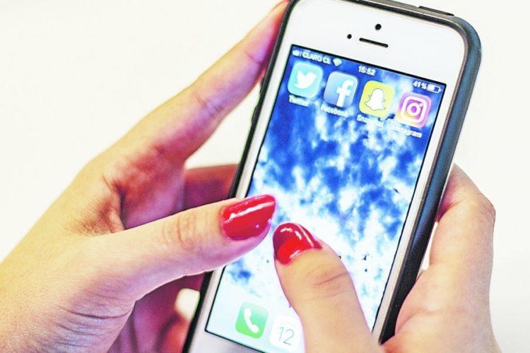 """ARTÍCULO: """"Teléfonos móviles superaron en ventas a televisores durante Cyber Monday 2018"""""""