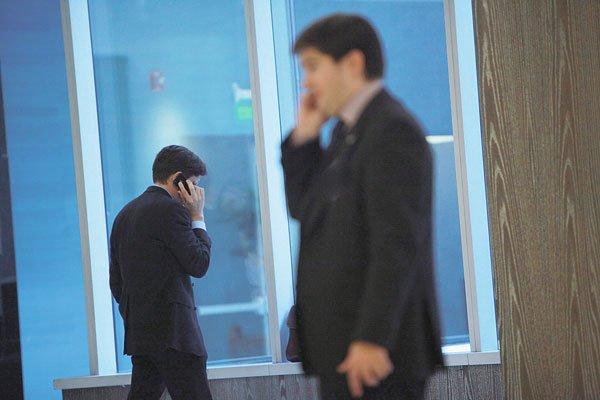 """ARTÍCULO: """"Entel y Movistar rebajan sus propuestas de tarifas"""""""