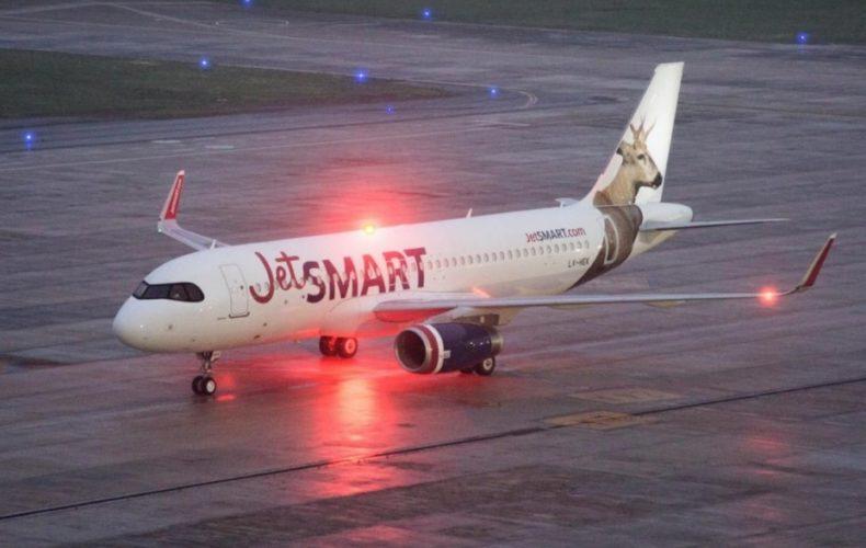 """ARTÍCULO: """"JetSmart lanza 12 nuevas rutas en Argentina y asegura que ofrece los precios más bajos de la historia"""""""