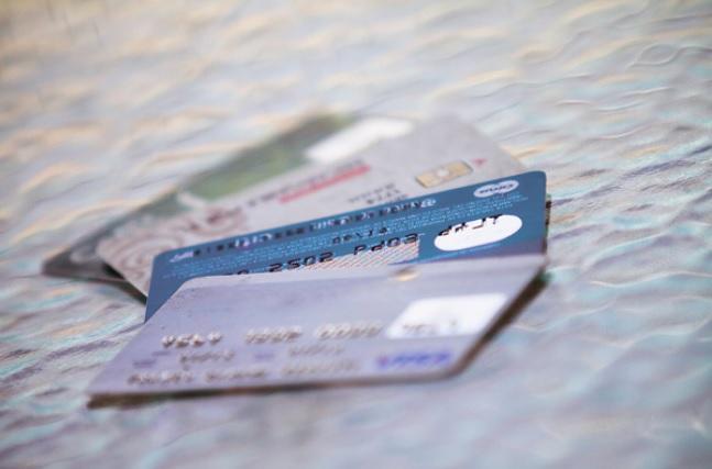 """ARTÍCULO: """"¿Adiós al efectivo? Operaciones con tarjetas y banca digital crecen sobre 100% en cinco años"""""""