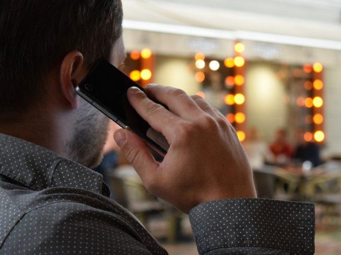 """ARTÍCULO: """"Industria móvil se desconcentra: participación de los tres mayores actores baja a 83%"""""""