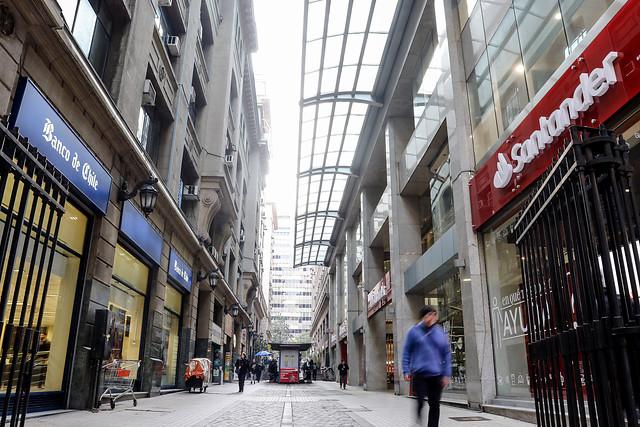 """ARTÍCULO: """"Bancos ganaron más de US$800 millones en el primer trimestre y Santander recuperó el primer lugar"""""""