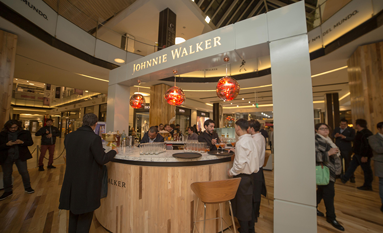 "ARTÍCULO: ""Por primera vez Johnnie Walker abre tres pop up stores chilenas"""