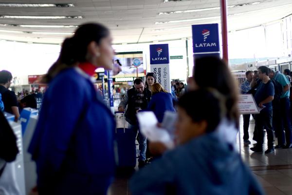 """ARTÍCULO: """"Latam Airlines inicia nuevo sistema de embarque"""""""