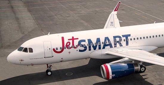 """ARTÍCULO: """"JetSmart estudia nuevas rutas hacia Brasil y vuelos low cost de larga distancia a 2025"""""""