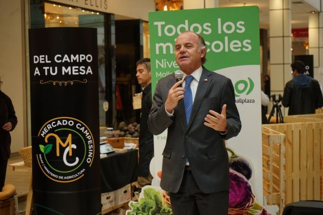 Indap firma convenio con Mallplaza para instalar más mercados campesinos