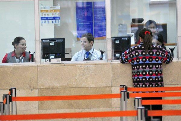 """ARTÍCULO: """"Principales bancos del país ganan en junio un 16% más que en 2018"""""""
