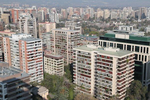 """ARTÍCULO: """"¡Histórico! Tasa de interés para créditos hipotecarios cae de la barrera del 2%"""""""