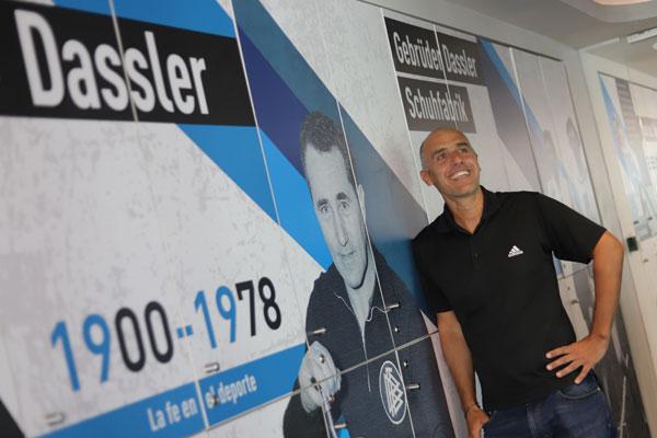 """ARTÍCULO: """"CEO de Adidas Chile: """"Nuestra tienda digital está creciendo más que nuestro canal de tiendas físicas"""""""""""