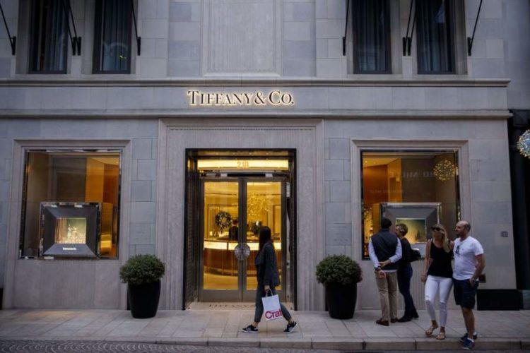 """ARTÍCULO: """"LVMH quiere sumar a Tiffany a su imperio de lujo"""""""