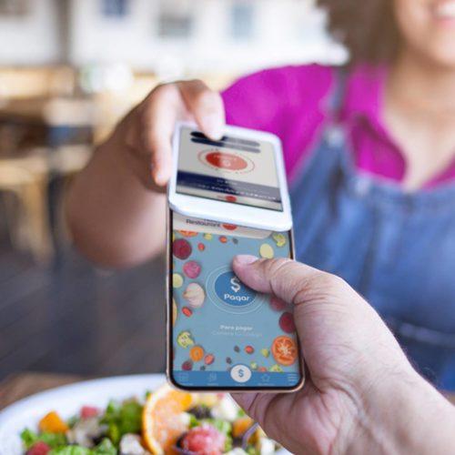 """ARTÍCULO: """"Atención los afortunados que tienen """"Cheque Restaurant"""": Ahora se podrá pagar desde el celular"""""""