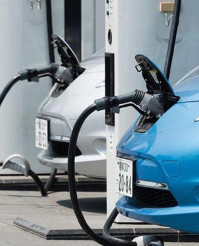 """ARTÍCULO: """"Venta de autos eléctricos logra récord, pero faltan incentivos y electrolineras para masificarlos"""""""