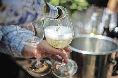 """ARTÍCULO: """"Consumo de vinos más frescos aumenta cerca de un 25% en verano"""""""