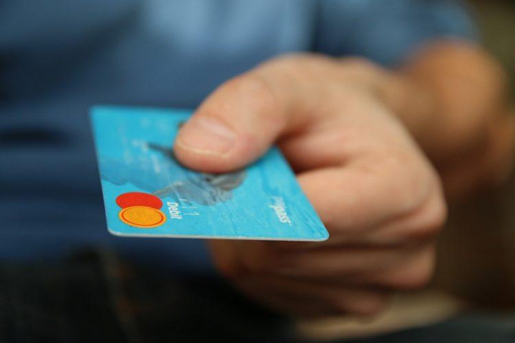 """ARTÍCULO: """"Bancos afinan detalles para implementar el modelo de cuatro partes en marzo"""""""