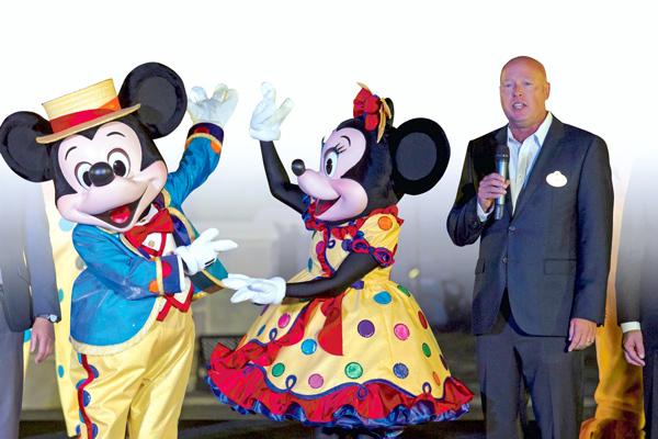 """ARTÍCULO: """"Disney nombra nuevo director ejecutivo en medio de ofensiva por el streaming"""""""