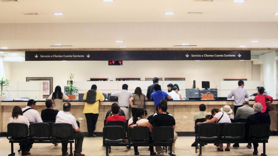 """ARTÍCULO: """"Las medidas de contingencia de la banca para los adultos mayores que van a las sucursales"""""""
