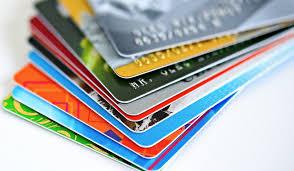 """ARTÍCULO: """"Tres millones de chilenos que usan tarjetas de casas comerciales cuentan con seguro para el pago de cuotas"""""""
