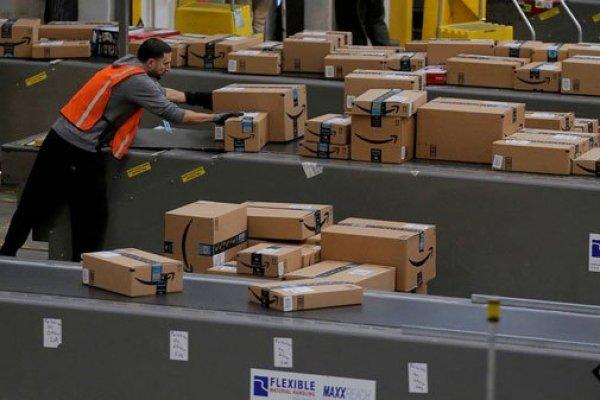 """ARTÍCULO: """"Facebook desafía a Amazon con herramienta de tienda virtual"""""""