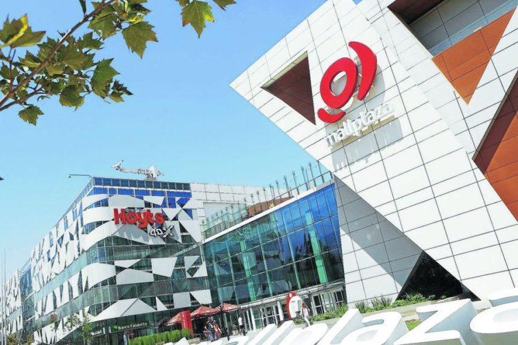 """ARTÍCULO: """"Mall Plaza estrena fila virtual para visitantes: Saque número vía web"""""""