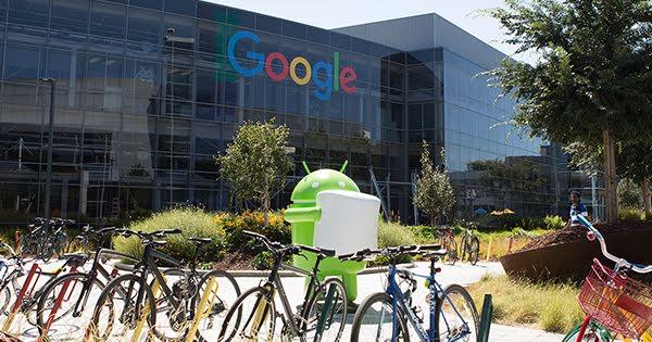 """ARTÍCULO: """"Google va a mantener a sus empleados con trabajo remoto hasta julio del próximo año"""""""