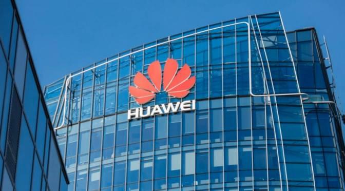"""ARTÍCULO: """"Huawei desbanca a Samsung y se convierte por primera vez en el mayor fabricante de teléfonos del mundo"""""""